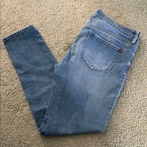 Very lightly distressed skinny jeans